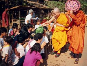 Receiving water blessings from the Venerable Maha Ghosananda Dhammayietra 13 ( 2003) Kompong Speu province