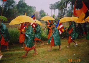 Walking in the rain, Dhammayietra 17 in Kompong Thom province
